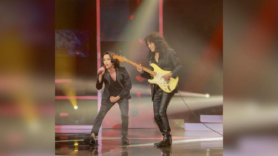 Kolaborasi Naim Daniel dan Man Keedal menerusi lagu Sembah menjadi perhatian peminat. - Foto TV3